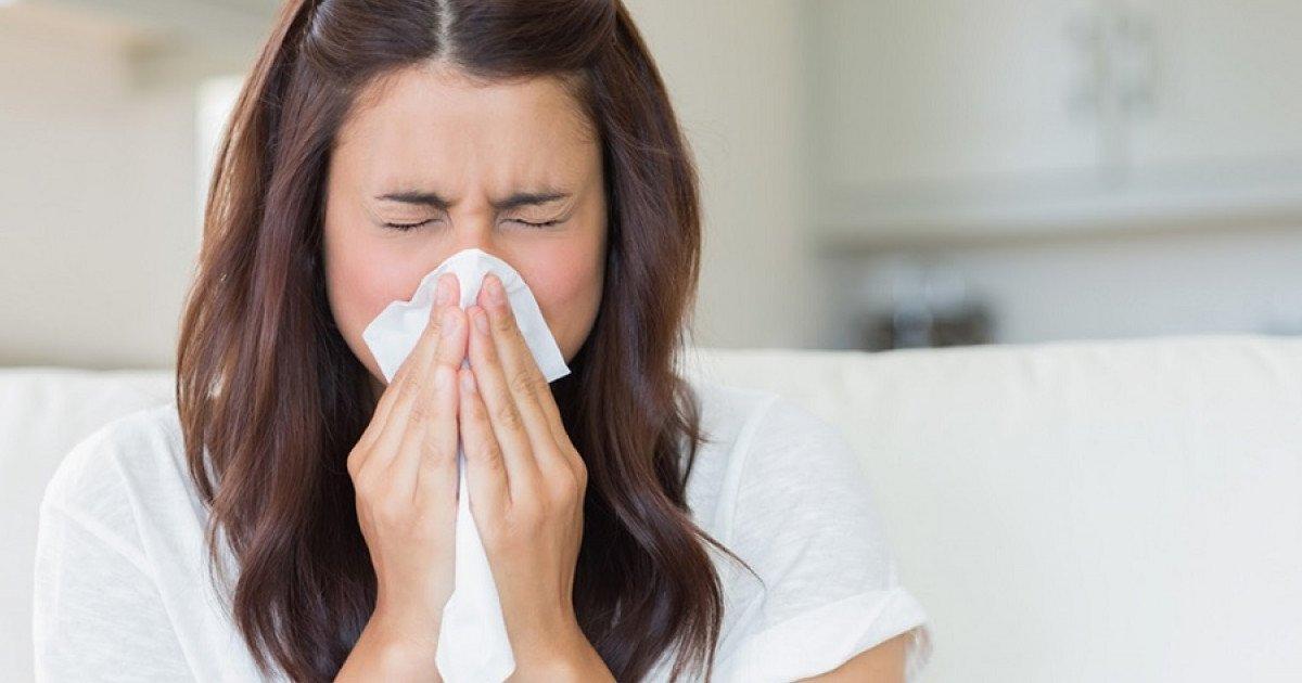 limpiando la cara por alergias