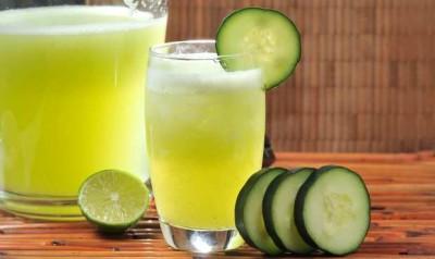 Agua de pepino y limón para los pies hinchados