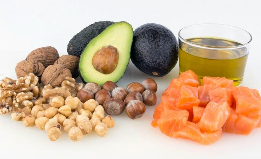 Alimentos de grasas no saturadas para una vida saludable