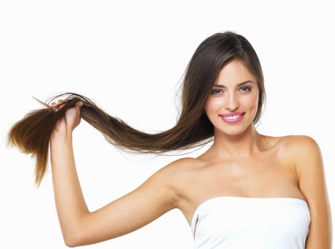 Chica con cabello sano