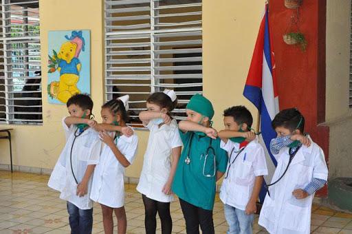 como afecta el covid en los niños