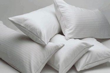 almohadas en fila