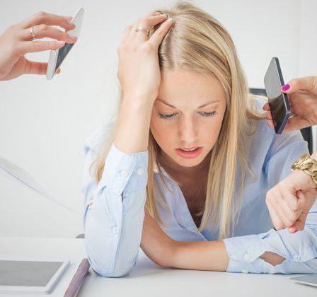 Mujer estresada.