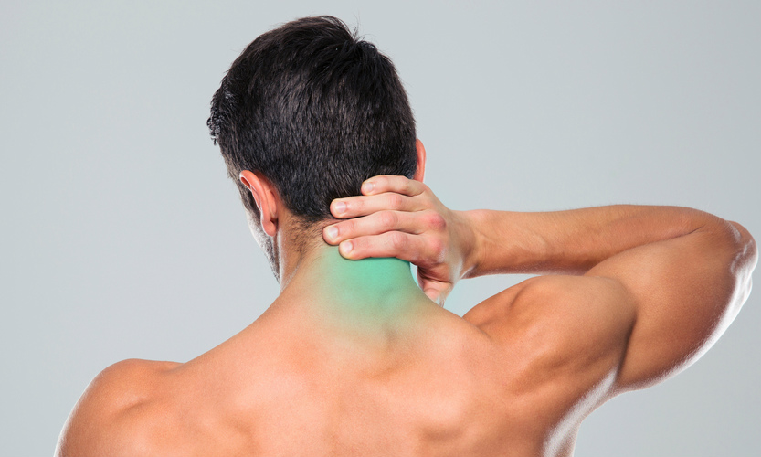 molestias detrás del cuello